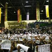 Alckmin nega 'catraca livre' e metroviários param em SP