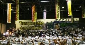 Repressão a metroviários, a 3 dias da Copa, é destaque no mundo